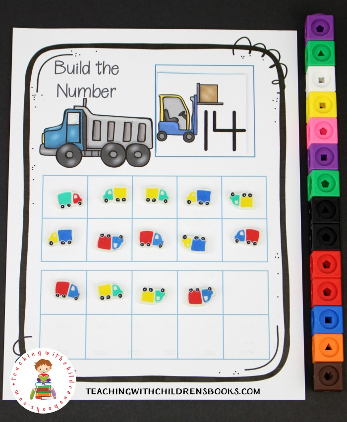 Young learners will have fun building numbers 1-20 with this construction site counting mat. Add this activity to your transportation themed learning centers.